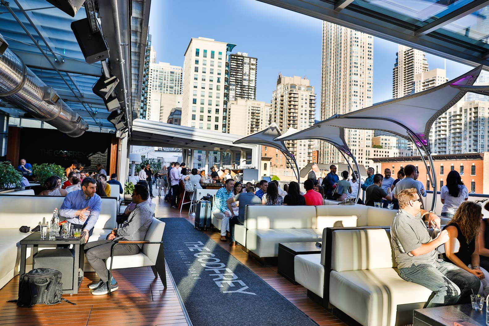 Hotel Rooftop Bars | Chicago Loop